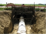Gas pipeline accessing in a mining manner